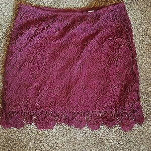 Divided Dresses & Skirts - Adorable maroon lace skirt