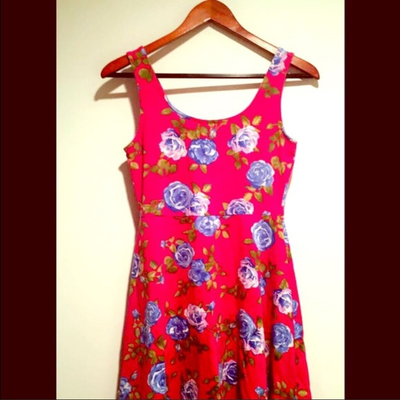 Forever 21 Dresses - 🌺 Flower Sun Dress 🌺