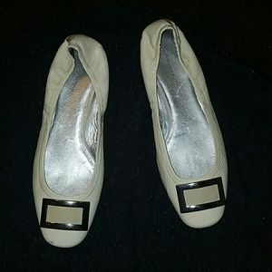Banana Republic white  shoes size 10