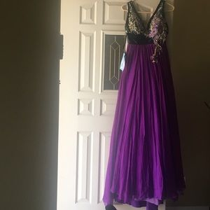 Dresses & Skirts - Evening dress size 4