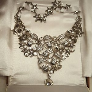 Jewelry - Skulls and stars necklace with matching earrings
