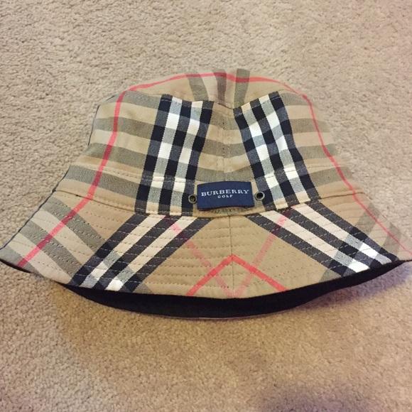 NWOT Reversible Burberry golf bucket hat. M 583b5d894127d0cc120d9ff6 8428ce70337