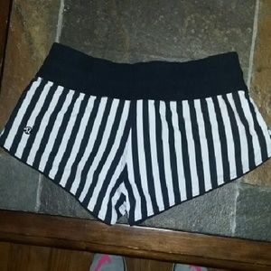NEW LULULEMON SHORTS