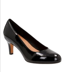 Clarks Shoes - NEW - Clarks Heavenly Heart Pumps