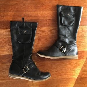 Pocket riding boot