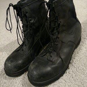Vibram Other - Vibram wellco boots black 13R