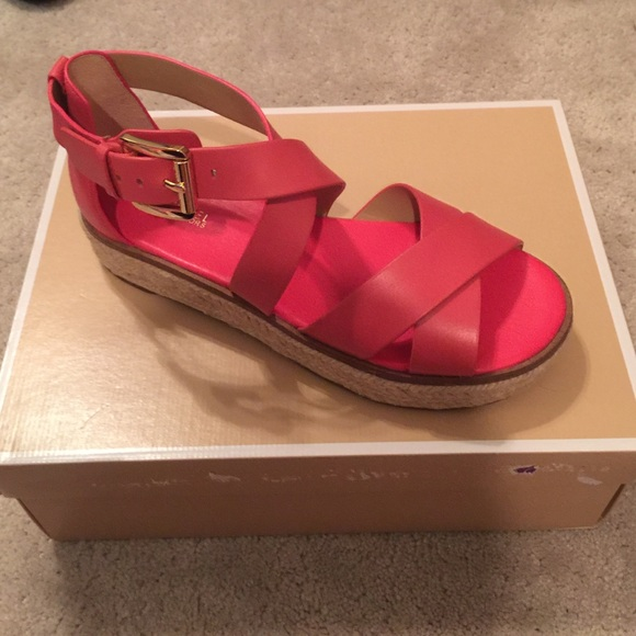 49ce299055b5 MICHAEL Micheal Kors Darby Leather Sandal