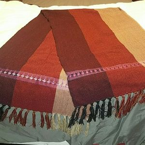 Accessories - Beautiful fall colors scarf NWOT