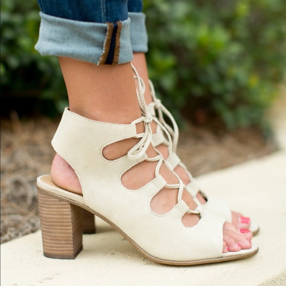 16673301975 Steve Madden Lace up Heels Sandals Nude Beige Tan