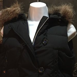 Gap black puffy vest with faux fur on hood