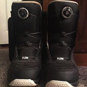 FlowVenus 151 w/bindings Flow Boots Women's size 9