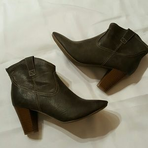 Old Navy Shoes - Old Navy Womens Boots