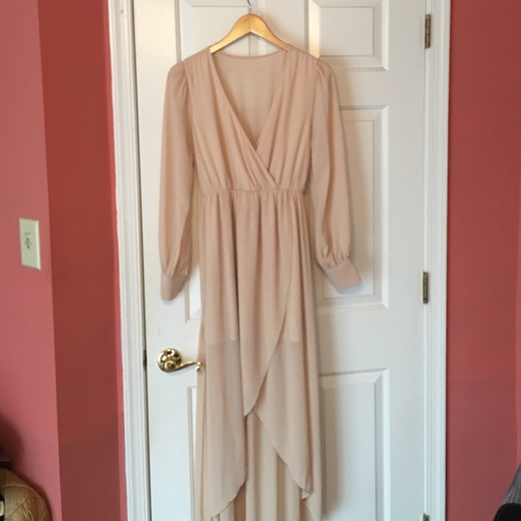 Dresses & Skirts - Tan cream long sleeved maxi high low dress