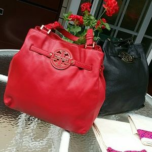 Tory Burch Handbags - Authentic amanda tall tote