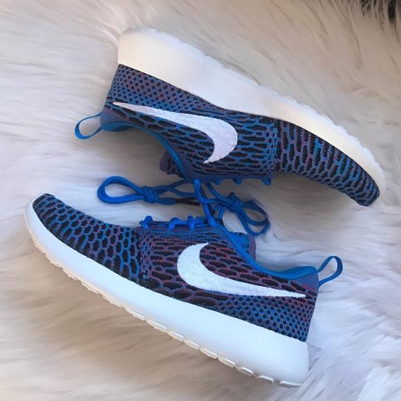 buy online 4fdae 5e0c0 Nike Roshe One Flyknit Sneakers