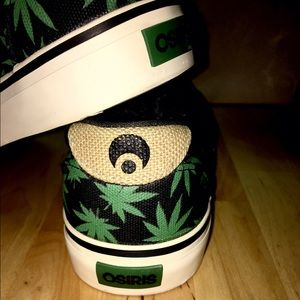Osiris Shoes - ❤️💛💚 Rare Osiris Slip Ons ❤️💛💚