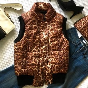 🍒HP🌺BCBGMaxAzria winter vest with removable hood