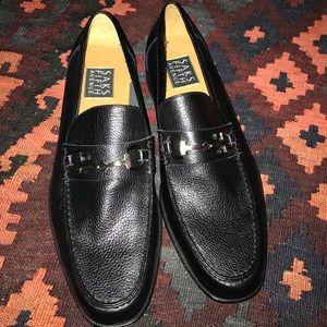 4056dfa896 Cole Haan Tan Deck Shoes Size 8.5 Saks Fifth Avenue Black Dress Shoes Size  8.5 ...