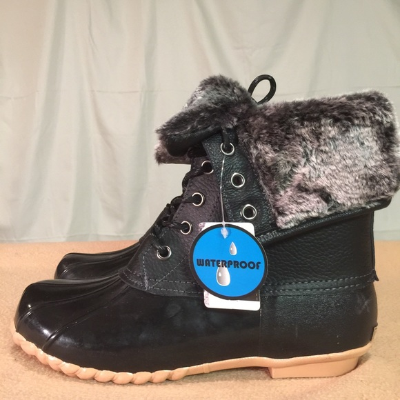 New Eastland Black Fur Lined Waterproof Duck Boots Nwt