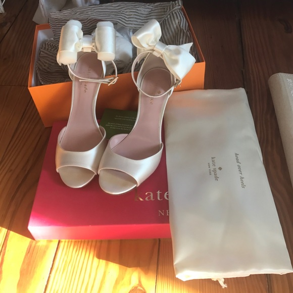 kate spade new york Izzie Bow Detail Satin Ankle Strap Dress Sandals 0O0MMqq