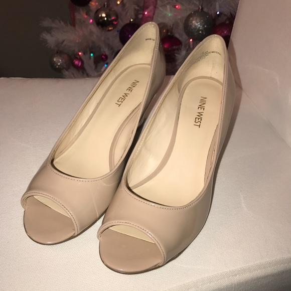 Relaxxin Peep Toe Patent Wedges