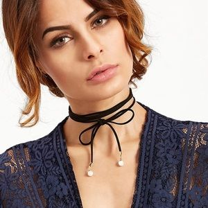 Jewelry - 💟Long Tie Choker with Pearl Detail💟