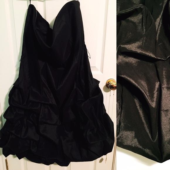 torrid Dresses & Skirts - 🔥 FINAL PRICE 🔥 EUC Strapless Bubble Hem Dress