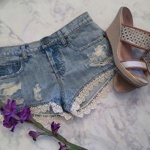 Carmar Pants - Lace Daisy Duke Jean Shorts