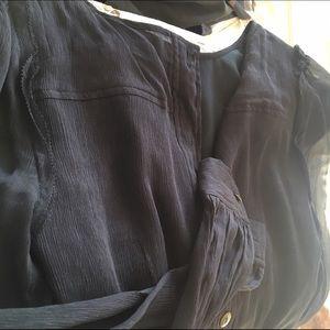 J. Crew Tops - ❤️Vday Sale❤️J. Crew silk button back blouse