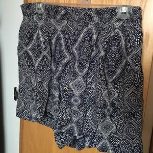 H&M Pants - Navy Blue and White Print Flowy Shorts