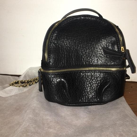 1ec9367b133e Black Zara convertible backpack purse