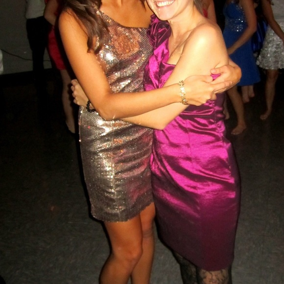 Forever 21 Dresses - Holiday Sparkly Dress 💖