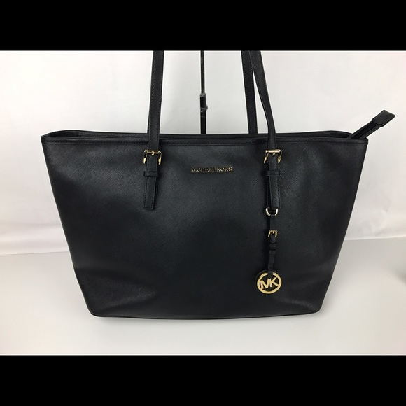 7df7ba30dda2 Micheal Kors Jet Set Travel Saffiano Leather Tote.  M 583cc61f2ba50a05e3128b2c