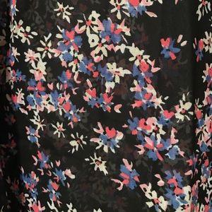 Express Tops - ‼️FLASH SALE‼️Express Floral Portofino Blouse