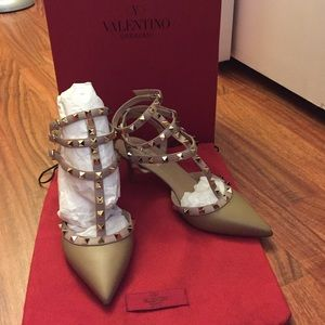 Valentino Garavani Shoes - Valentino Rockstud Kitten Heels Size 38.5