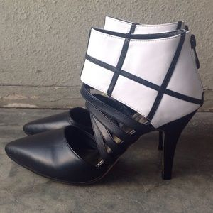Shoes - NWOB Leather Heels - Size 5 🎉HP @manicexpressive
