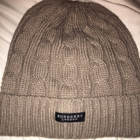 3fd0d6df5cbc7 Burberry Accessories - Gray Burberry winter hat