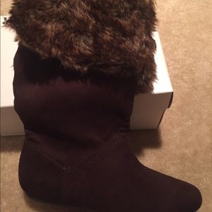 Shoes - Fur-lined boots