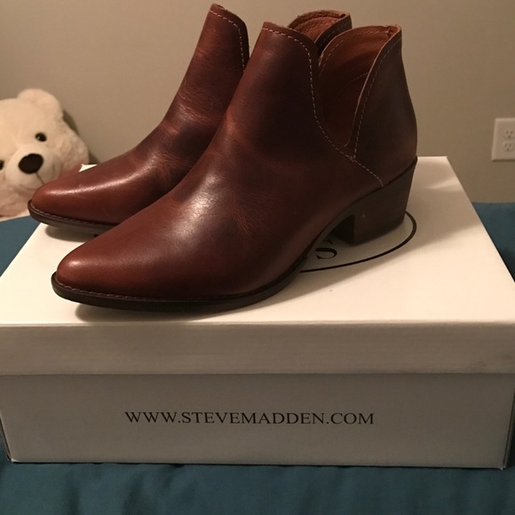 42f5ccfa4e2 Steve Madden Austin Cognac Leather Booties