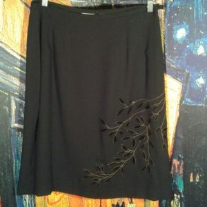 Emma James Dresses & Skirts - Black skirt with foliage design