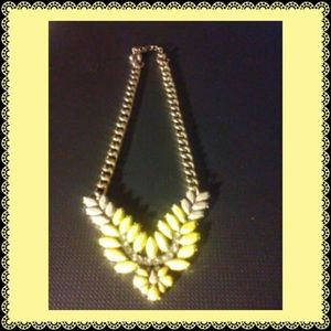 Jewelry - NECKLACE-Yellow & White With Goldtone Hardware