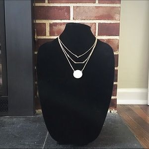 Jewelry - 🎹📿Triple Layer Gold & Howlite Necklace