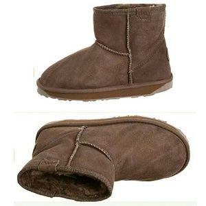 Emu Shoes - 🎉HP🎉 EMU Australia Stinger Mini sheepskin boots