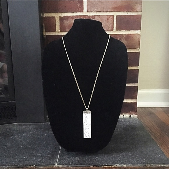 Jewelry - 🎹📿Howlite Natural & Pavé Stone Pendant Necklace