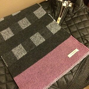Burberry Accessories - 100% authentic Burberry scarf. ☃