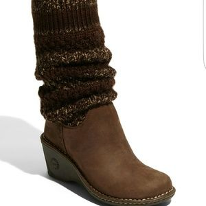 UGG Cresthaven Leather Knit Boot // Size 6