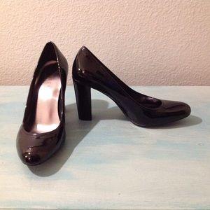 """Ralph Lauren """"Serisa"""" Black Patent Stacked Heels"""