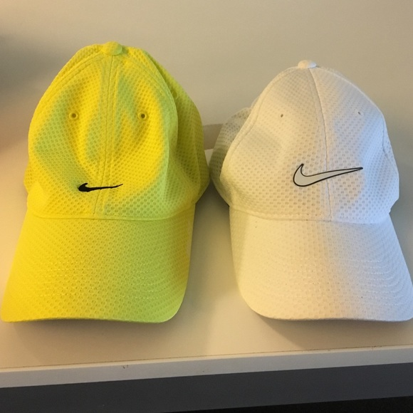 accessories two lightly used fit baseball caps nike dri hat heritage mesh cap