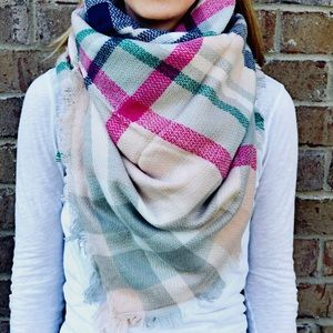 Boutique Accessories - LAST ONE 🙉 Light Pink Plaid Blanket Scarf