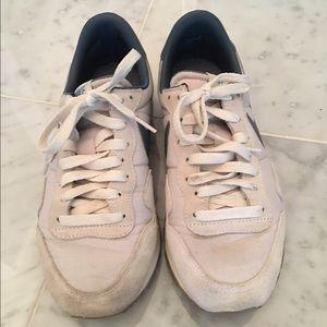Nike Shoes - Nike Air Shoes
